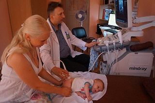 Как делают УЗИ новорожденным